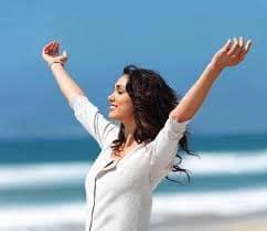 Kvinder i flow selvsikker kvinde i balance
